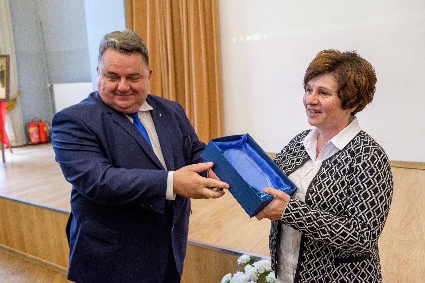 Laureatki nagród gminnych – Jolanta Woropaj iInez Kęsy