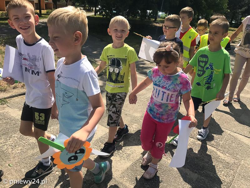 Przedszkolaki zwizytą wszkole